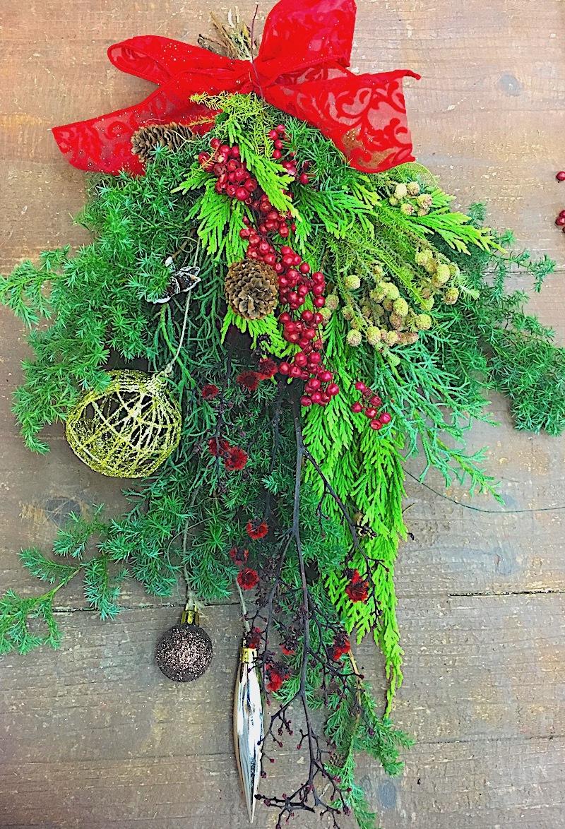 クリスマススワッグ(壁飾り)