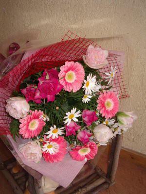キュートなピンク系 花束