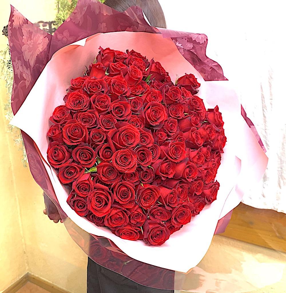 プロポーズの赤バラ108本の花束 (生花) <small><code>[B0613]</code></small>