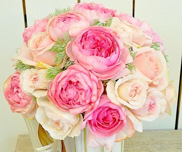 ピンクのローズブーケ